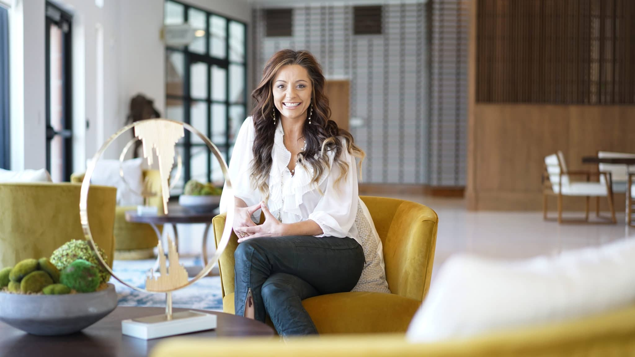 Angela Harris Stars in Season 2 of The Reveal on The Design Network